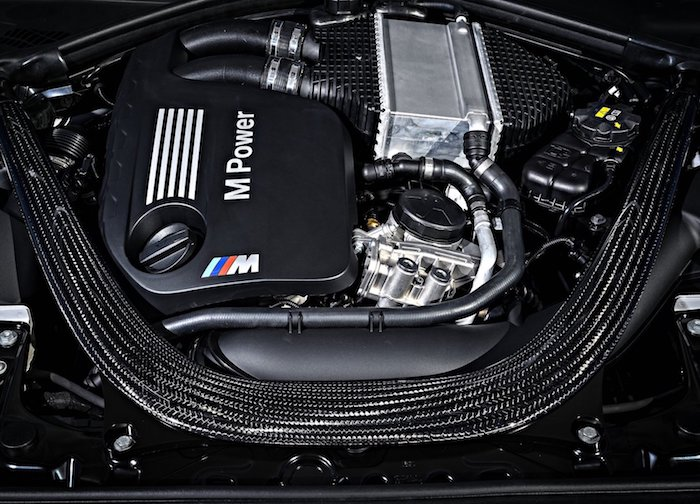 BMW M2 Competition incars 2019 011